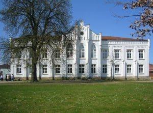 Die Partitur des Krieges - Leben zwischen den Fronten (Performance und Film) @ THUSCH e. V. | Teterow | Mecklenburg-Vorpommern | Deutschland